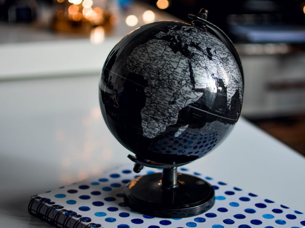 A propos-globe